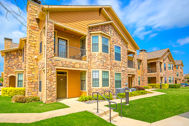 Mansions At Sunset Ridge - 1440 Carrollton Pkwy, Carrollton, TX 75010