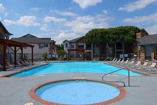 Saddle Brook Apartments - 9000 Chapel Rd, Waco, TX 76712