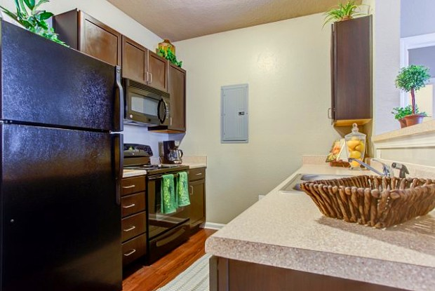 Big Oaks Apartment Homes - 1510 W Oak Dr, Lakeland, FL 33810