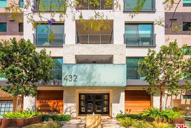 432 North OAKHURST Drive - 432 North Oakhurst Drive, Beverly Hills, CA 90210