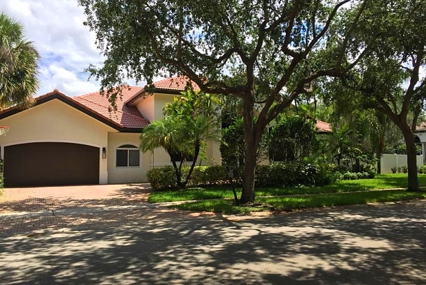 3348 Hollywood Oaks Dr - 3348 Hollywood Oaks Drive, Hollywood, FL 33312