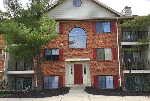 Carriage Court - 11580 Olde Gate Dr, Springdale, OH 45246