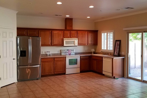 8782 W ASTER Drive - 8782 West Aster Drive, Peoria, AZ 85381