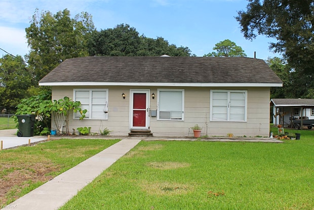 1301 17th St. (front) - 1301 17th St, Lake Charles, LA 70601