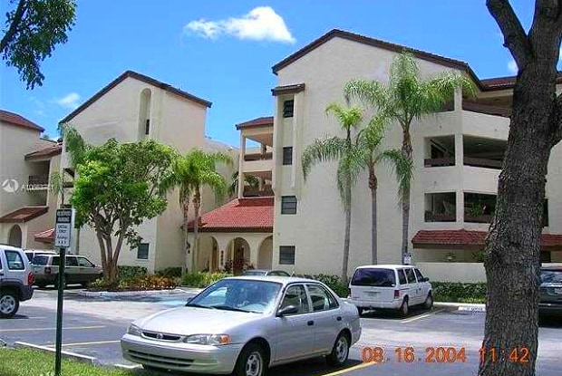 8933 SW 123 CT 105 - 8933 SW 123rd Ct, The Crossings, FL 33186