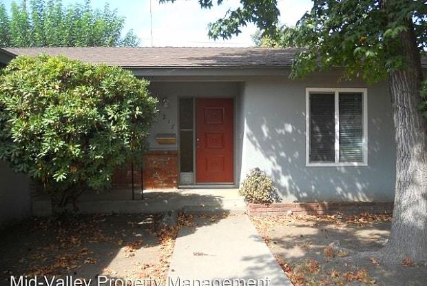 1217 S. Clover Street - 1217 South Clover Street, Visalia, CA 93277