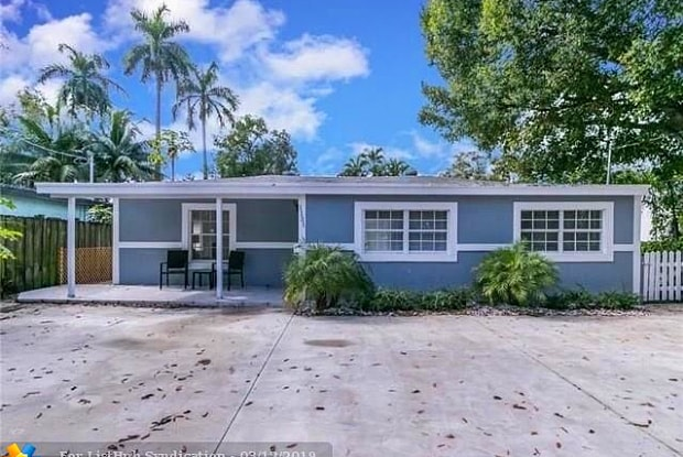 1131 SW 8th Ave - 1131 Southwest 8th Avenue, Fort Lauderdale, FL 33315