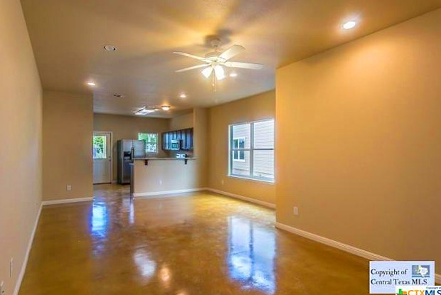 585 Advantage Drive - 585 Advantage Drive, New Braunfels, TX 78130