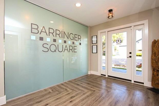 Barringer Square - 623 Barringer Ln, Webster, TX 77598