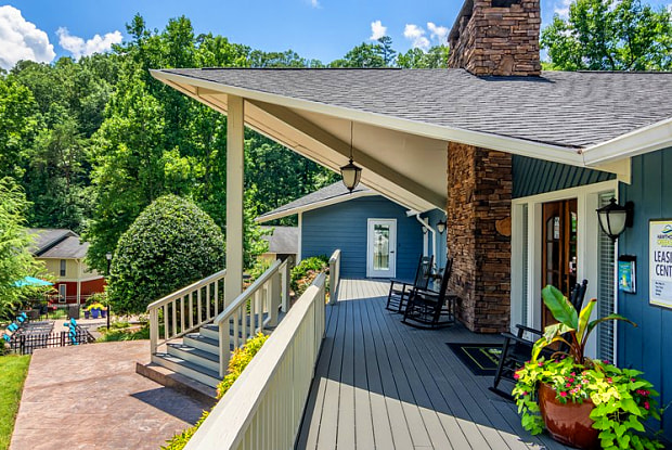 Hawthorne Creekside - 3131 Mountain Creek Rd, Chattanooga, TN 37415