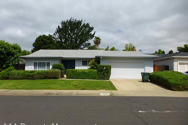 1579 Dianda Dr - 1579 Dianda Drive, Concord, CA 94521