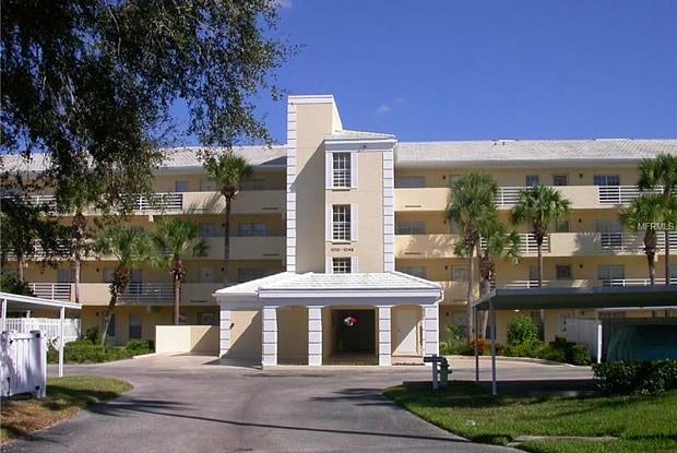 1027 WEXFORD BOULEVARD - 1027 Wexford Boulevard, Sarasota County, FL 34293