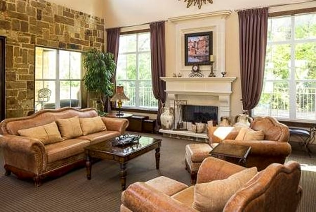 Bella Ruscello Luxury Apartment Homes - 250 E Highway 67, Duncanville, TX 75137