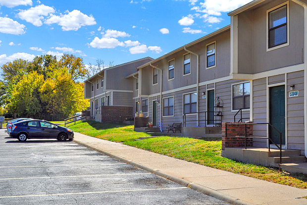 Willow Run - 5231 SW West Dr, Topeka, KS 66606