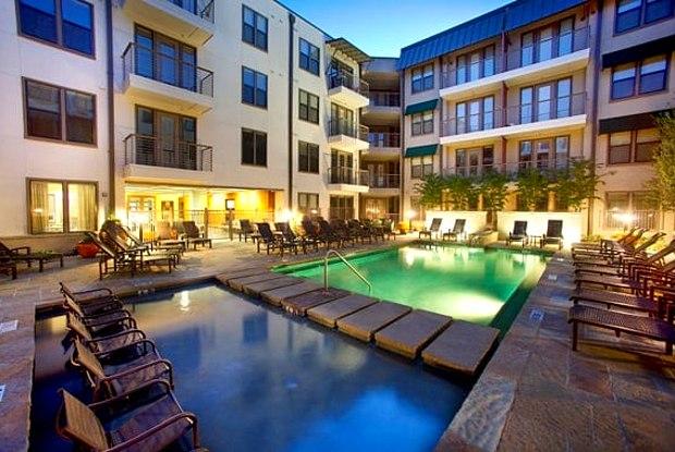 Camden Belmont - 2500 Bennett Ave, Dallas, TX 75204