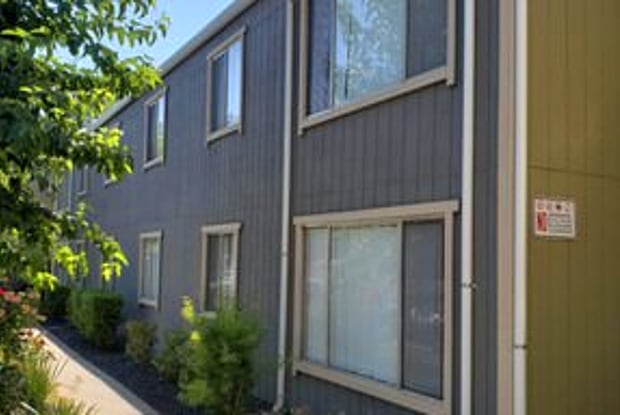 Terrace at Fair Oaks - 5820 Sutter Ave, Carmichael, CA 95608