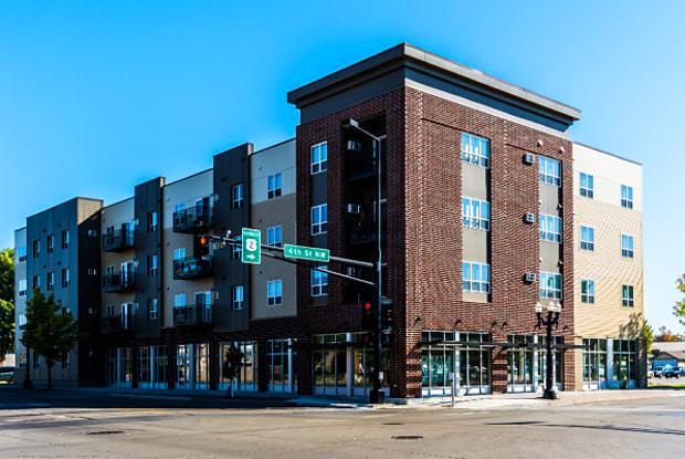 Minnesota Heights - 316 North 4th Street, East Grand Forks, MN 56721