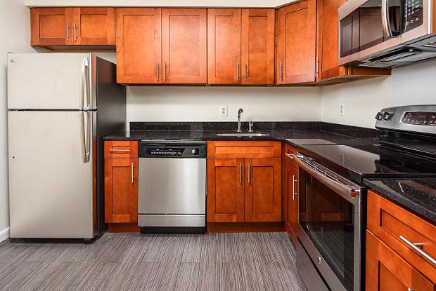 Royal Crest - 1802 Kuser Rd, Mercerville, NJ 08690