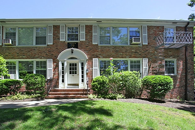 Short Hills Village - 72 Woodland Rd, Short Hills, NJ 07078