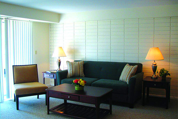 Westgate Apartments - 20 Westgate Drive, Woburn, MA 01801