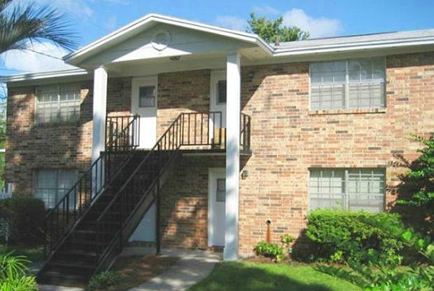 St. Charles Garden Apts - 2216 Spring Park Road, Jacksonville, FL 32207