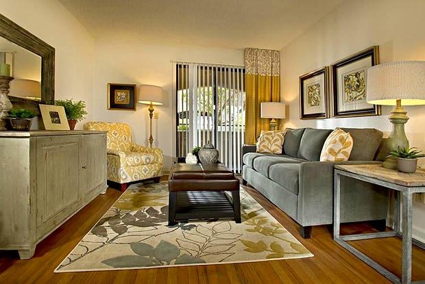 Villas at Mountain Vista - 5400 Mountain Vista St, Las Vegas, NV 89120