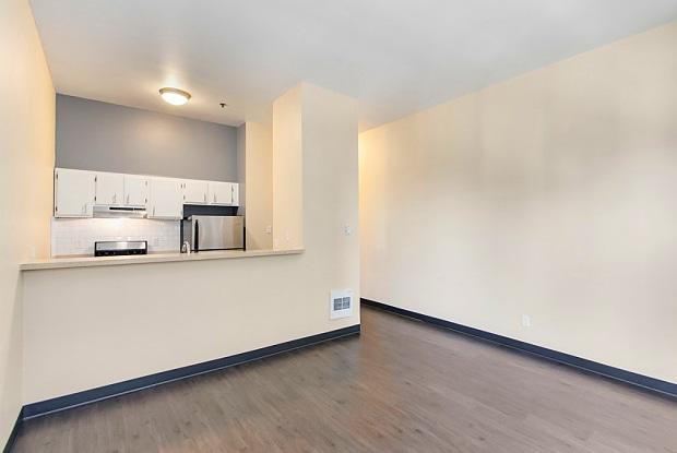 Ellis Court Apartments - 2510 Western Ave, Seattle, WA 98121