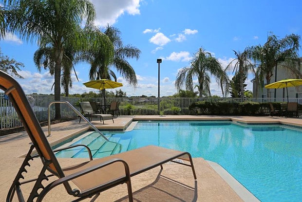 Lake House Apartments - 200 Village Blvd, Davenport, FL 33896