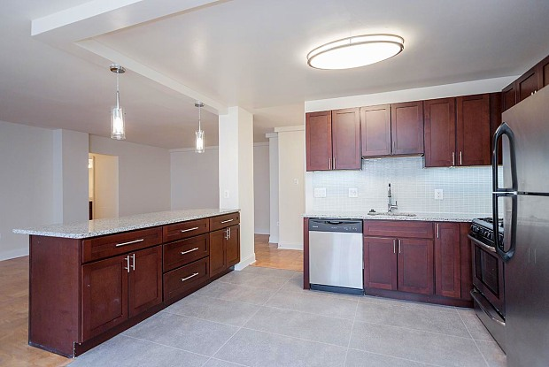 The Falls at Roland Park Apartments - 1190 W Northern Pkwy, Baltimore, MD 21210