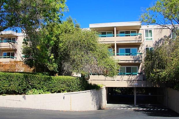 Oakview - 3135 Campus Dr, San Mateo, CA 94403