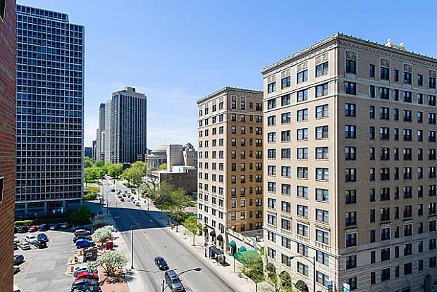 2850 N Sheridan Rd - 2850 N Sheridan Rd, Chicago, IL 60657