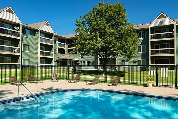 Woodridge Apartment Homes - 3255 Coachman Rd, Eagan, MN 55121