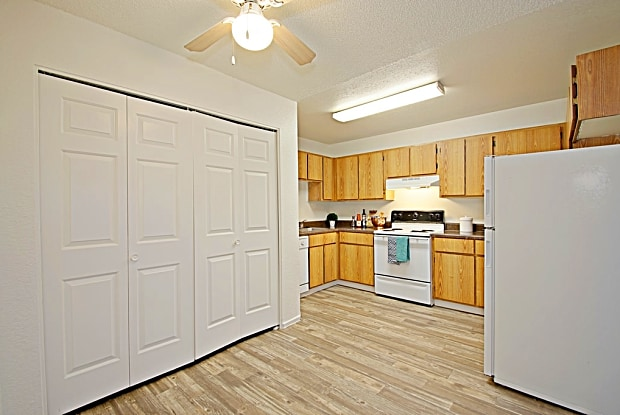 Terrace Park - 8130 W Indian School Rd, Phoenix, AZ 85033
