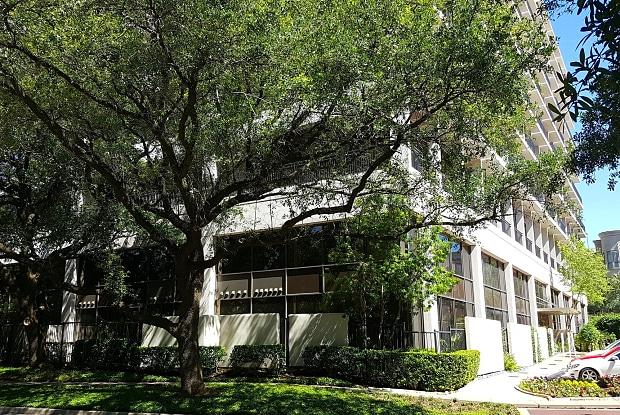 Metropole - 3616 Richmond Ave, Houston, TX 77046