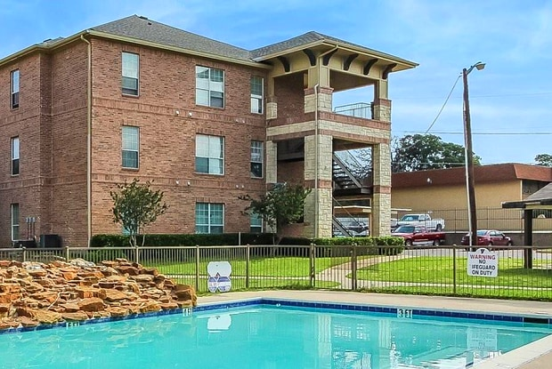 Falls - 9797 Bruton Rd, Dallas, TX 75227