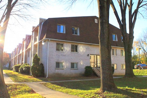 Caln East - 100 Plaza Dr, Downingtown, PA 19335