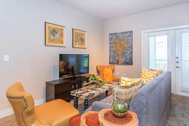 Prairie Creek Apartments - 9395 Scarborough St, Lenexa, KS 66219