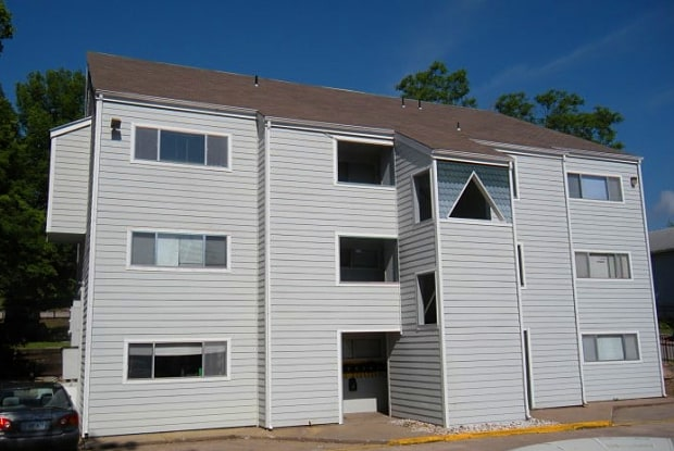 Coldwater Flats - 413 W 14th St, Lawrence, KS 66044
