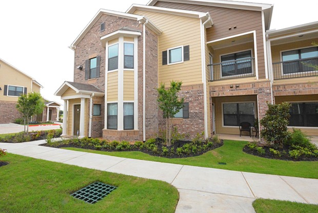 Avenues at Cypress - 21500 Cypresswood Dr, Jersey Village, TX 77433