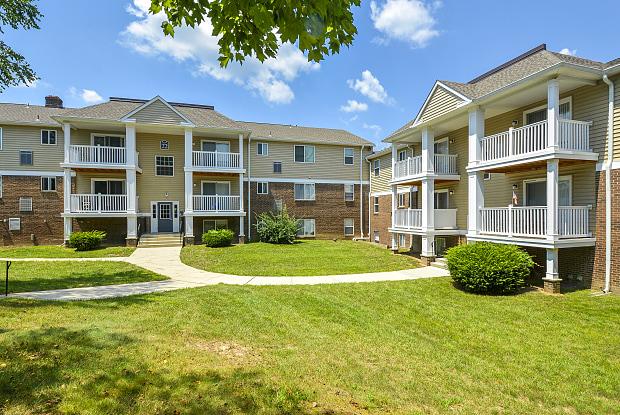 Glen Eagle Village Apartments - 24 Sandalwood Dr, Newark, DE 19713