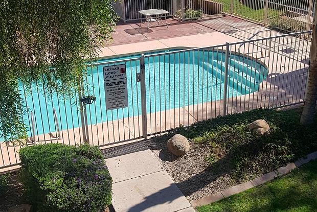 Vista Village - 1805 W Cortez St, Phoenix, AZ 85029