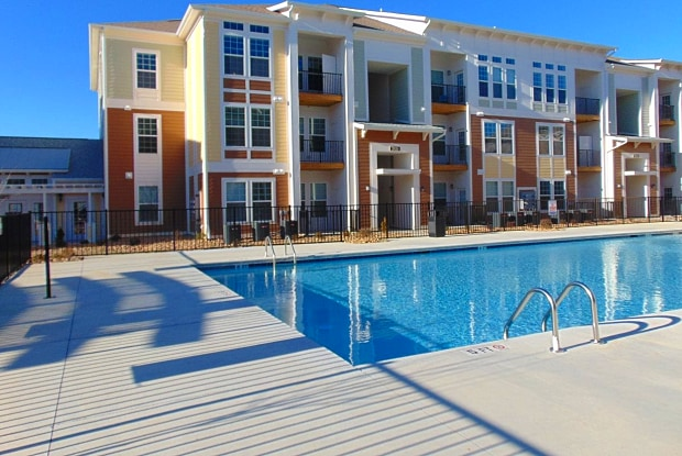 Watercourse Apartments - 1020 Watercourse Circle, Graham, NC 27253