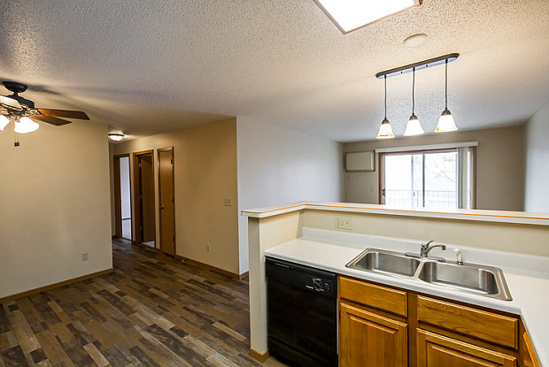 Pebble Springs - 3110 North 19th Street, Bismarck, ND 58503