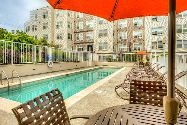 Linden Square - 13530 Linden Ave N, Seattle, WA 98133