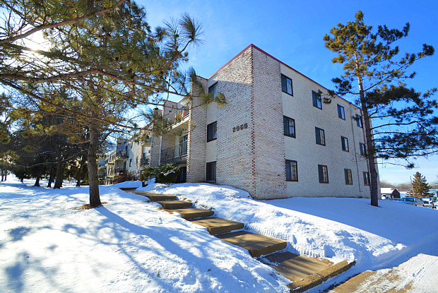 Quebec Apartments - 2965 Country Drive, Little Canada, MN 55117