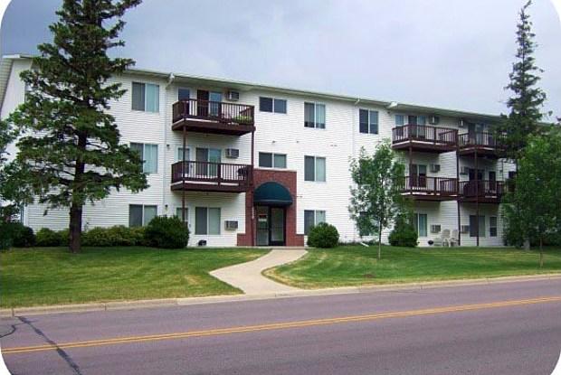 Park Village I & II - 2250 N Cedar Ave, Owatonna, MN 55060