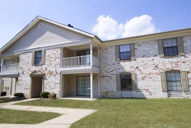 Castleton Manor - 5850 Laketon Dr, Indianapolis, IN 46220