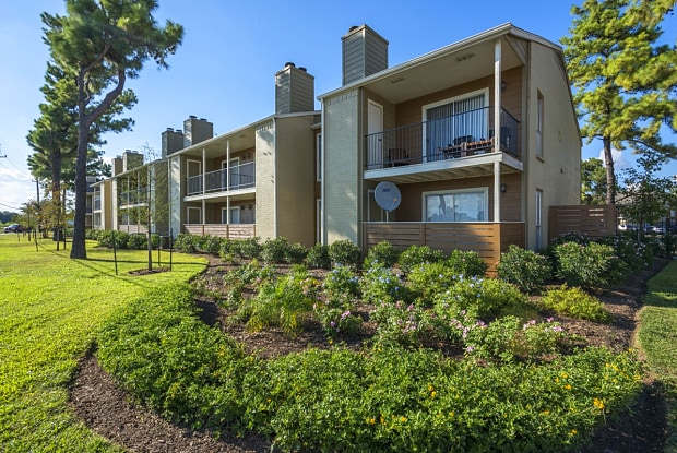 Park At Willowbrook Apartments - 7100 Smiling Wood Ln, Houston, TX 77086