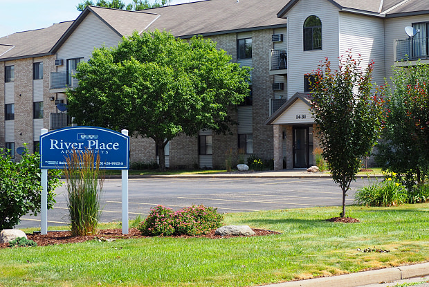 River Place - 1457 Wildcat Ct, River Falls, WI 54022