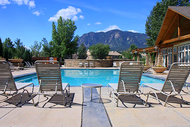Broadmoor Ridge Apartments - 3893 Westmeadow Dr, Colorado Springs, CO 80906